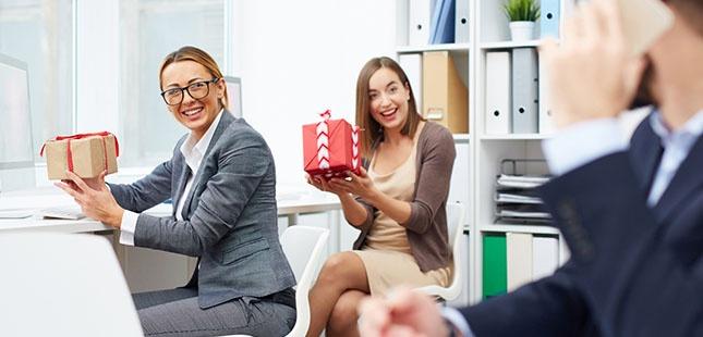 Sei alla ricerca di un idea regalo originale e vuoi essere sicuro che il  tuo collaboratore 44fc58396c2
